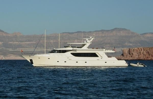 The 30m Yacht BESAME