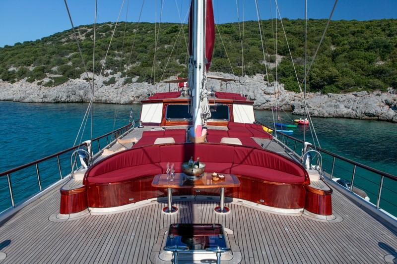 The 30m Yacht CLARISSA