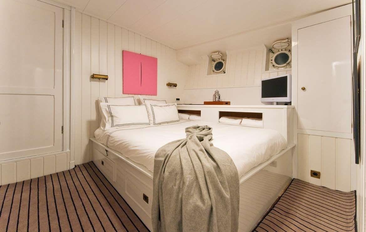 The 32m Yacht CAMARA C