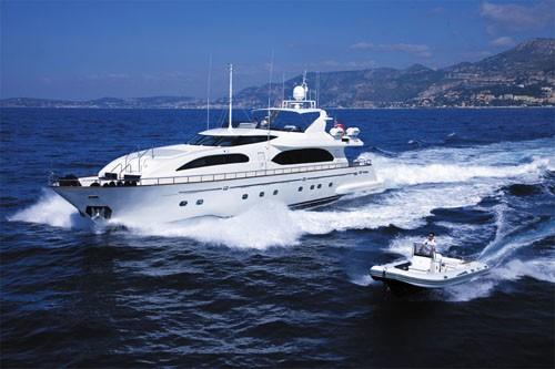 The 32m Yacht HERO