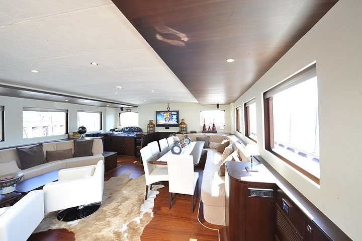 Saloon On Board Yacht CASA DELL ARTE II