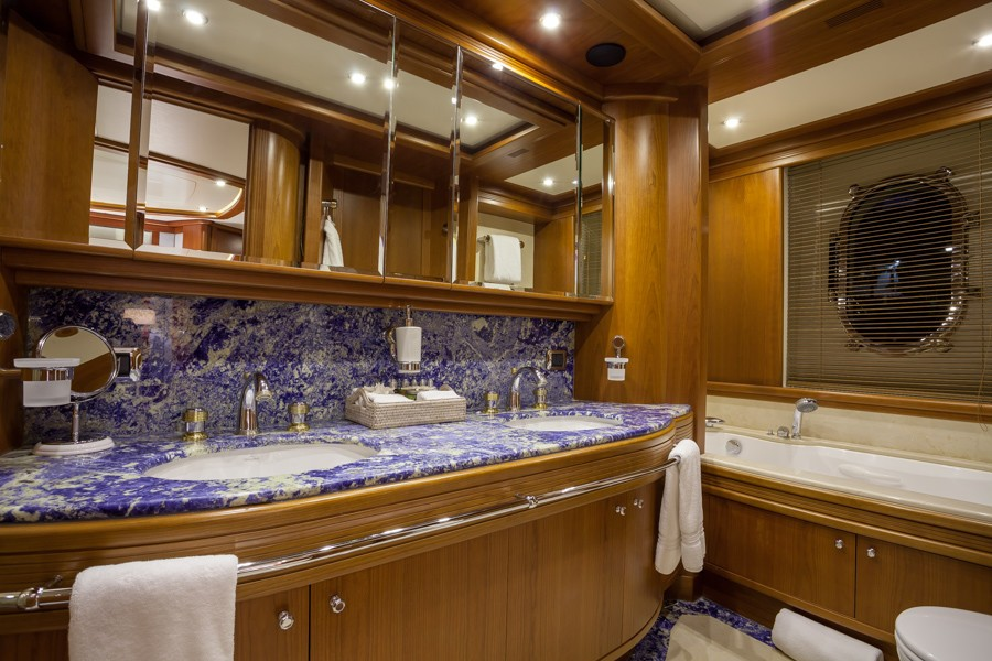 The 35m Yacht HAPPY HOUR