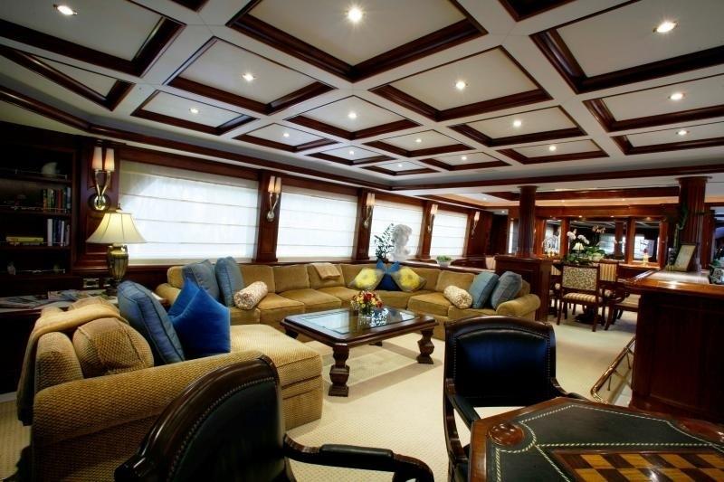Premier Saloon On Board Yacht OCEAN CLUB