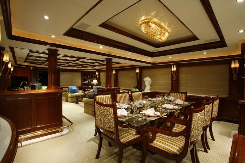 Profile: Yacht OCEAN CLUB's Eating/dining Saloon Captured