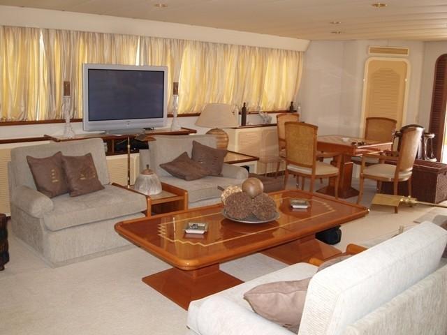 Premier Saloon Aboard Yacht PARADIS