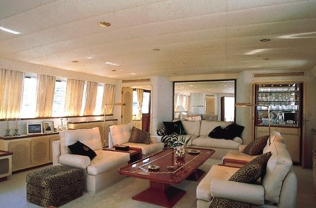 Saloon On Board Yacht PARADIS