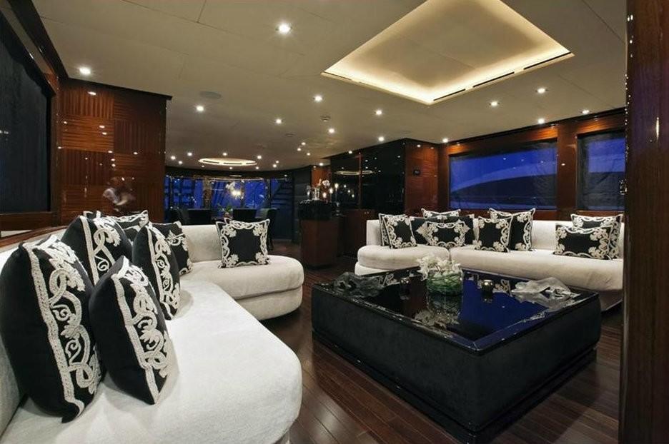 Premier Saloon On Board Yacht WHISPERING ANGEL