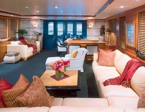 Premier Saloon On Board Yacht MURPHY'S LAW