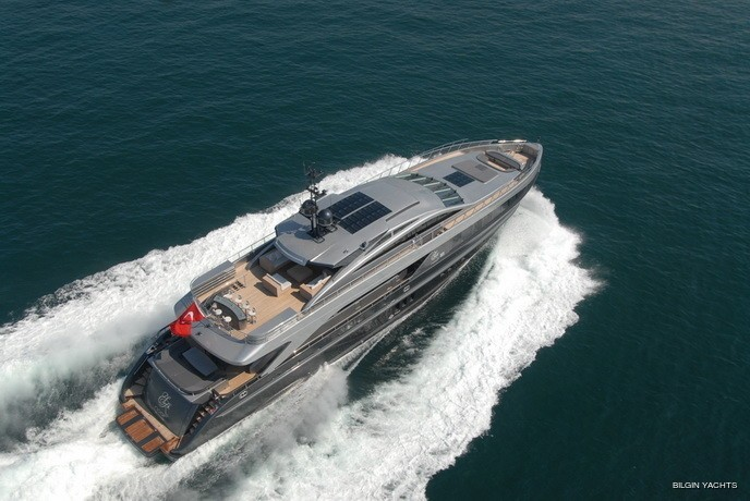 Aft: Yacht RL NOOR's Cruising Photograph