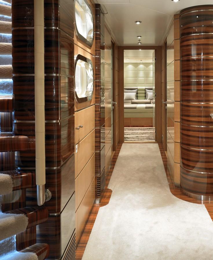 Hall On Board Yacht DREAM ON