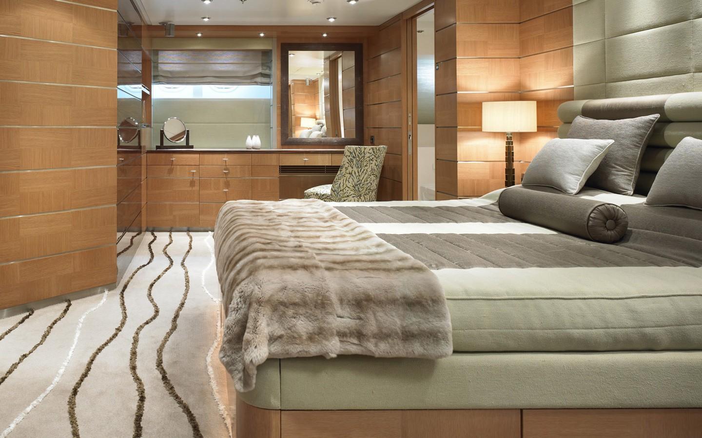 VIP Cabin Aboard Yacht DREAM ON