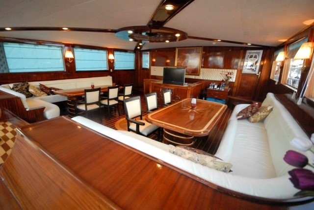 Inside Eating/dining With Saloon On Board Yacht ESMA SULTAN