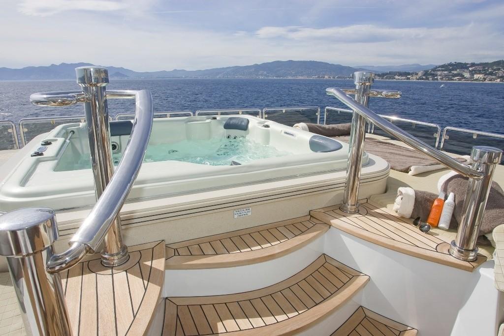 Jacuzzi Pool On Yacht GRENADINES III