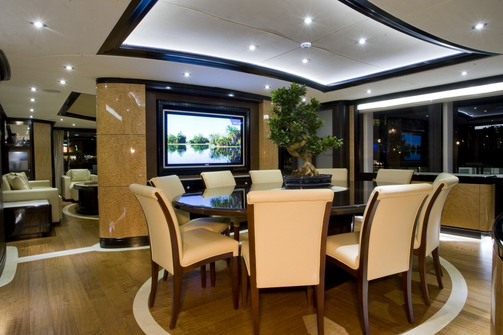 Eating/dining Zone On Board Yacht GRENADINES III