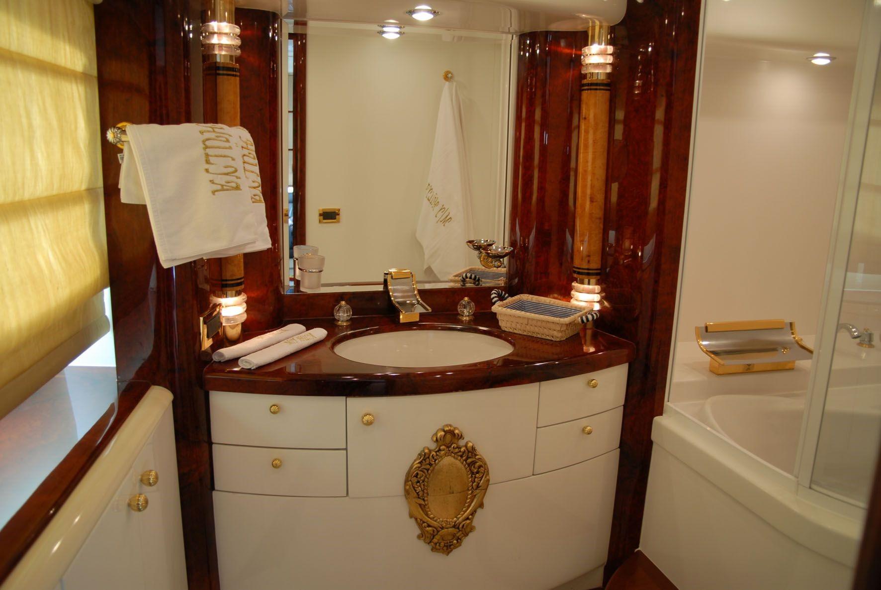 Bath On Yacht HULYA