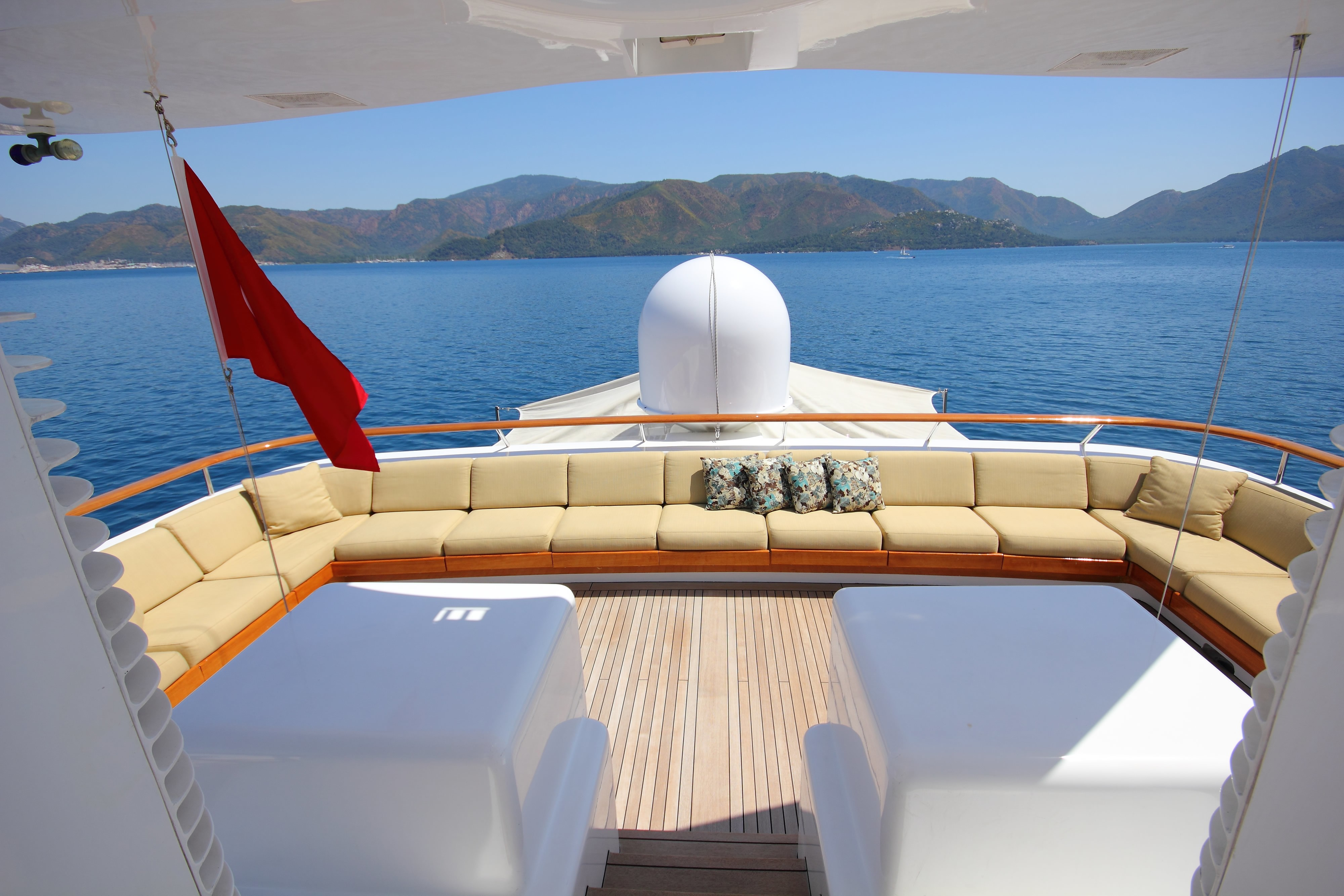 The 40m Yacht MONTE CARLO