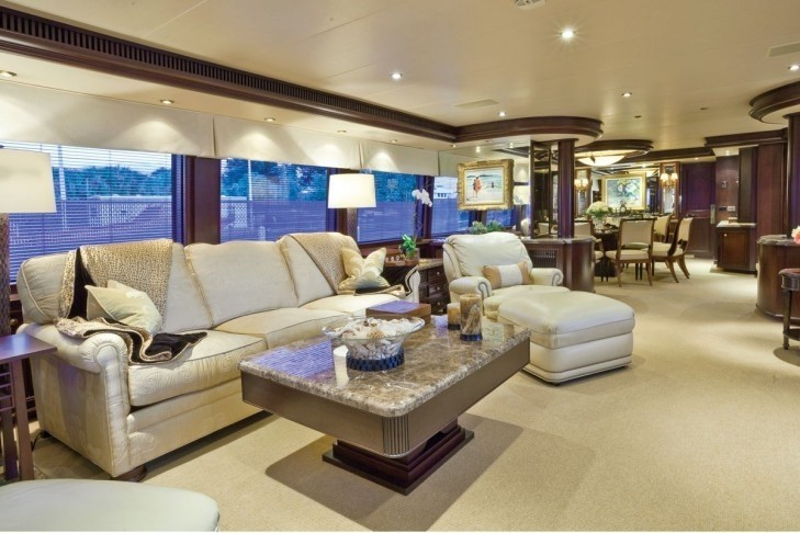 Sitting: Yacht SEA DREAMS's Premier Saloon Pictured