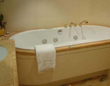 Main Master Bath On Board Yacht LADYSHIP