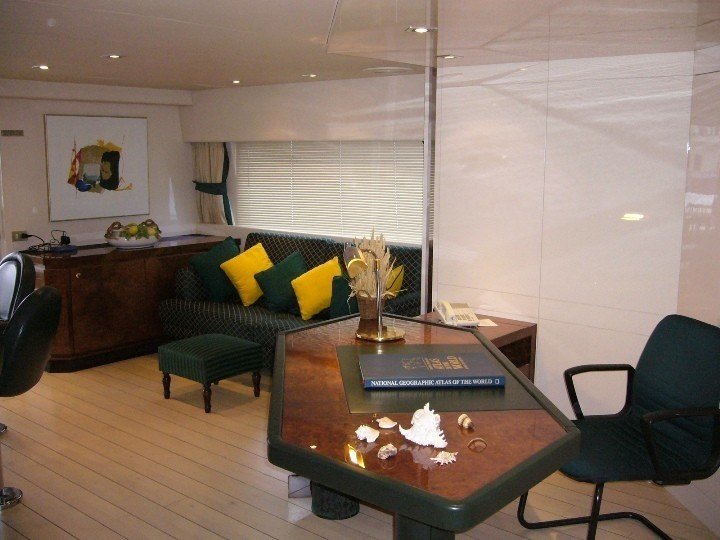 Writing Work Desk: Yacht LADYSHIP's Top Saloon Photograph