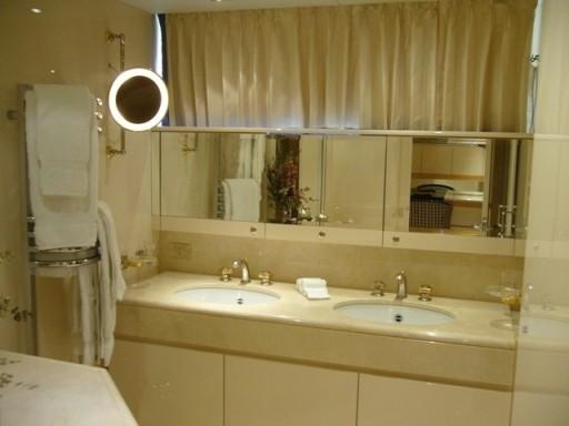 Twin Bed Stateroom Bath Aboard Yacht LADYSHIP