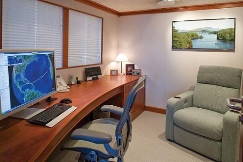 Sky-lounge Aboard Yacht SILVER CLOUD