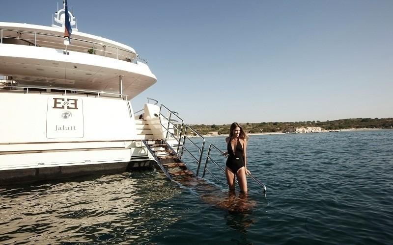 Swimming Landing On Board Yacht E & E