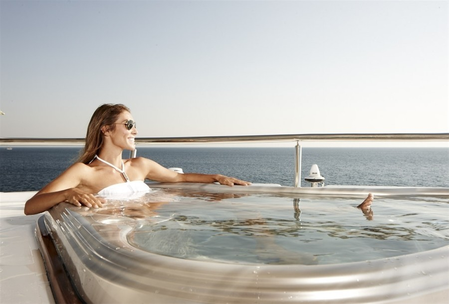 Jacuzzi Pool On Board Yacht E & E