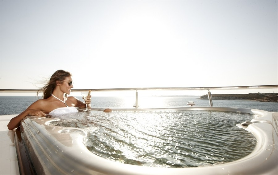 Jacuzzi Pool On Board Yacht E & E