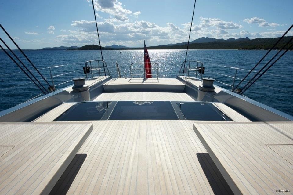 sailing yacht aft