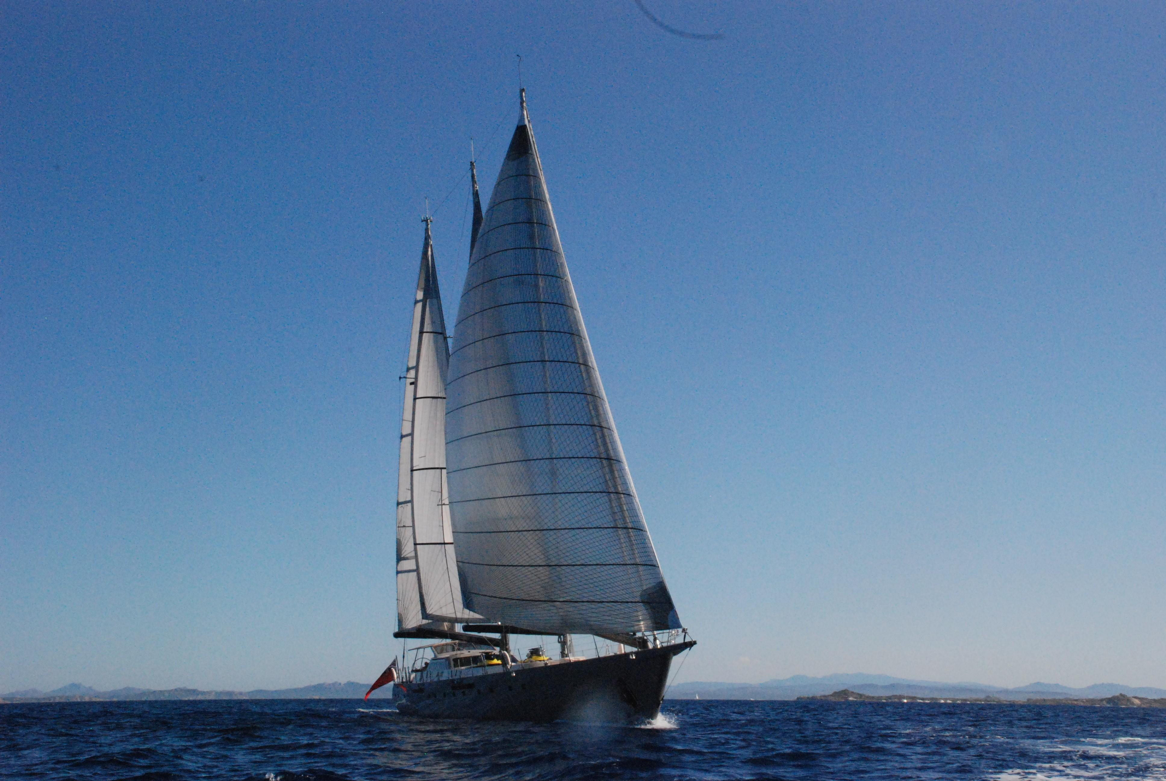 The 42m Yacht YAMAKAY