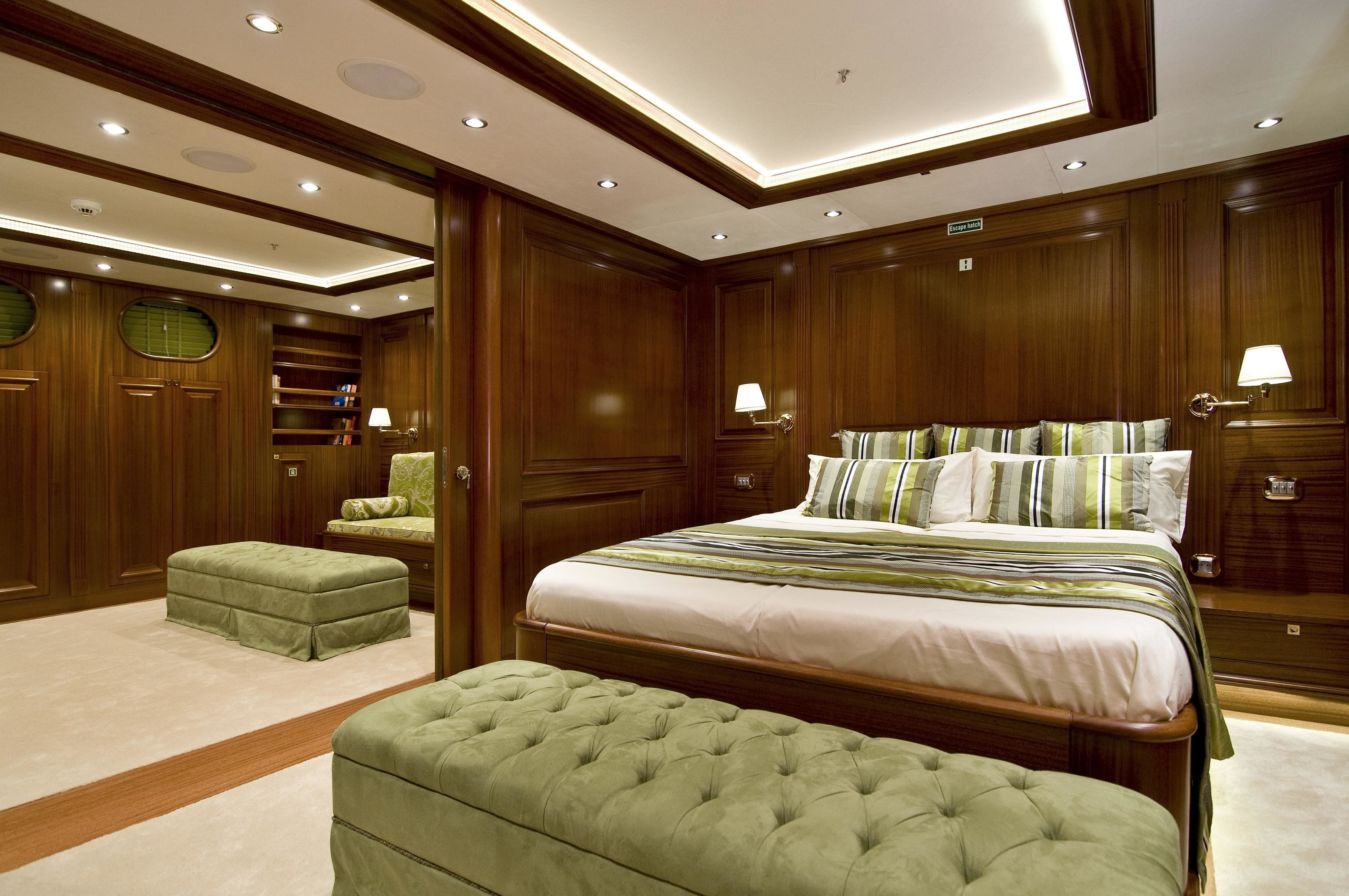 Guest's Cabin On Yacht CLEAR EYES