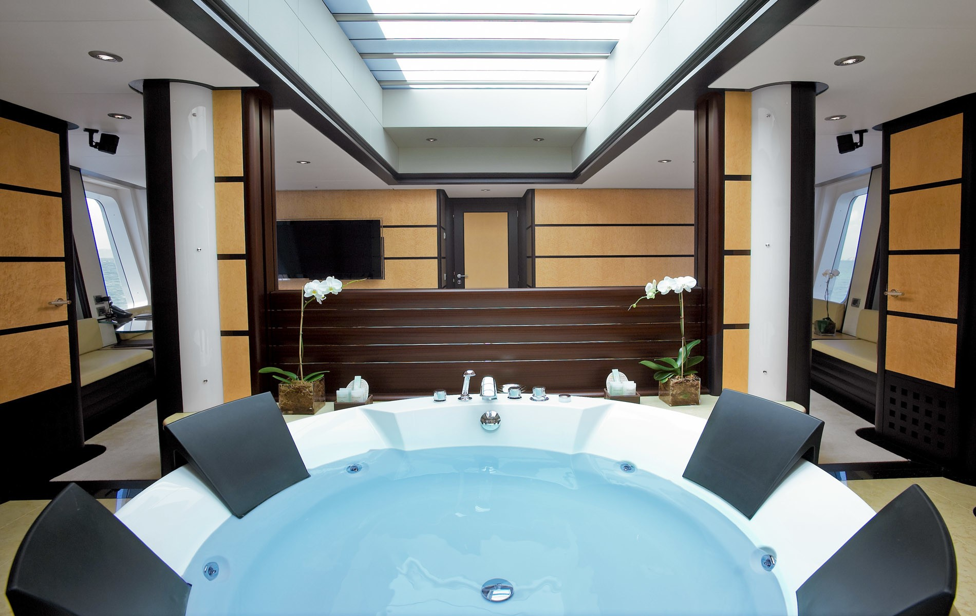 Main Master Jacuzzi Pool Aspect Into Cabin On Yacht HARLE