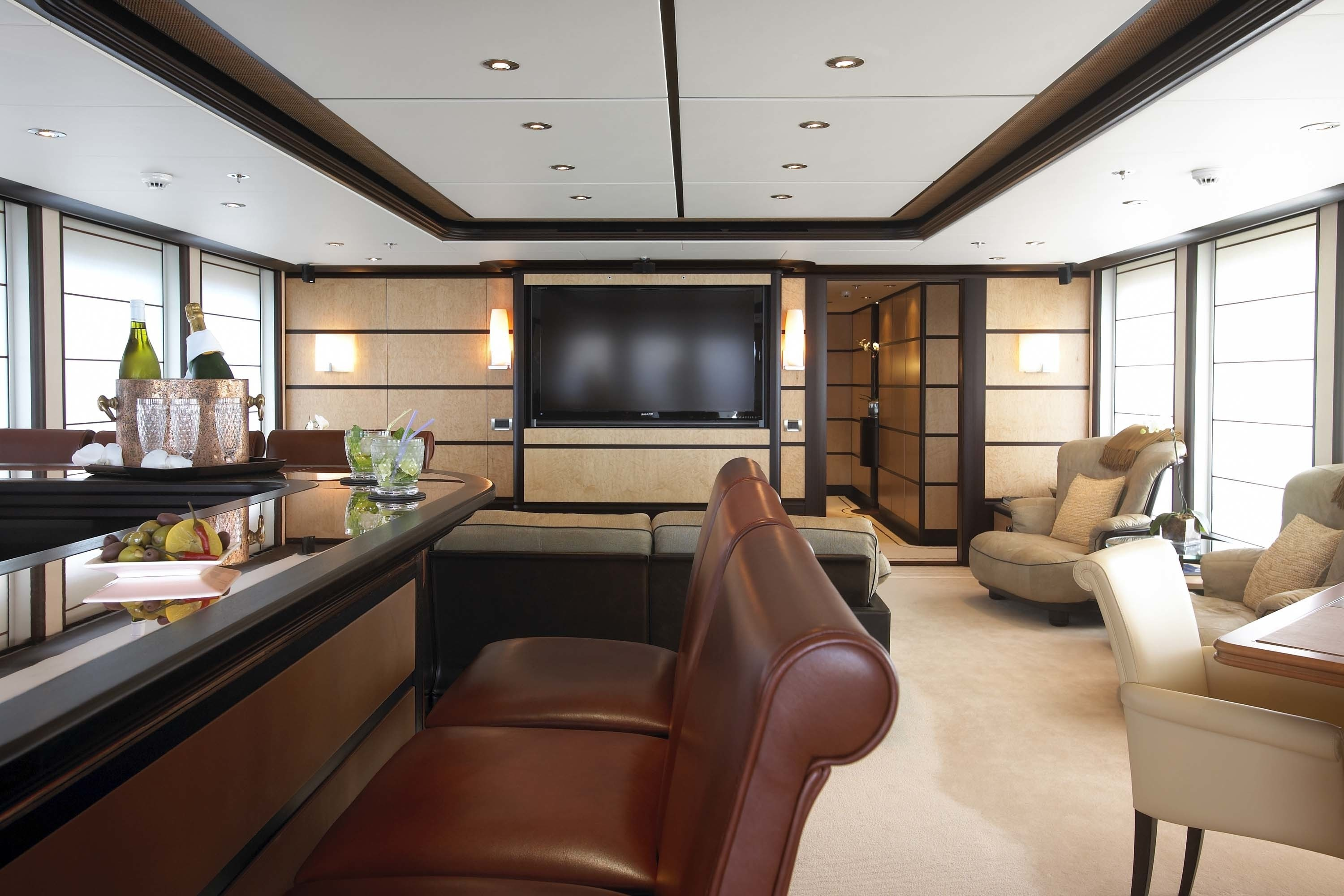 Premier Saloon Viewing Fore On Yacht HARLE