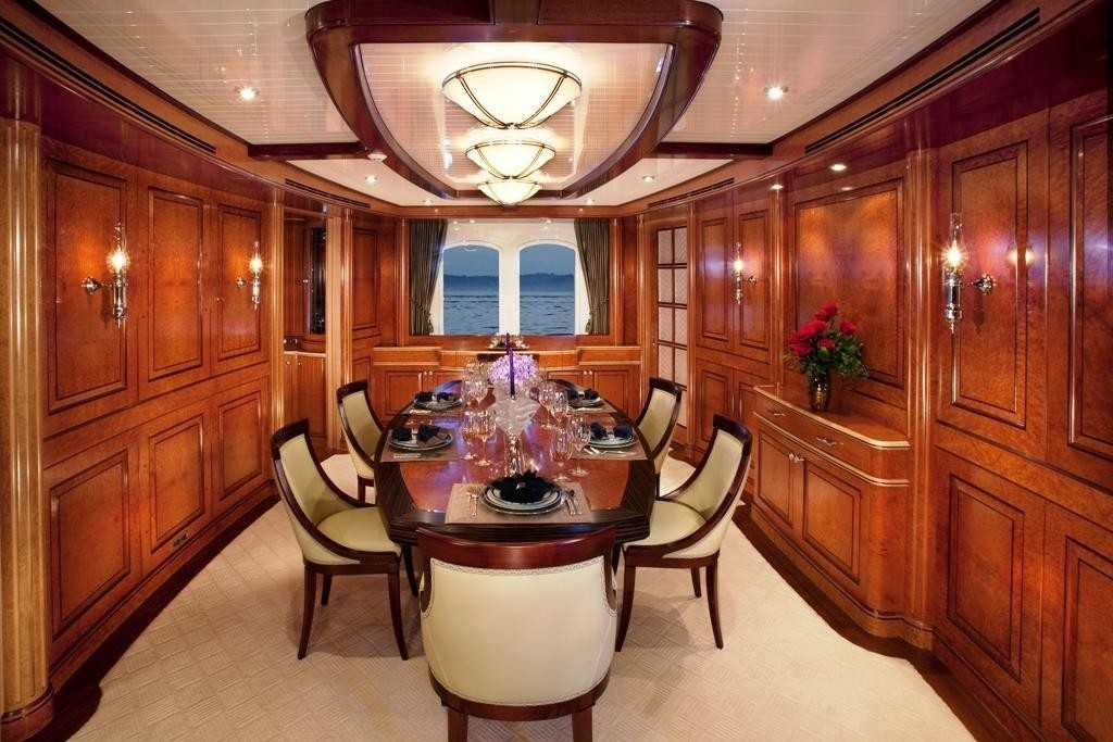 Eating/dining Furniture On Yacht SYCARA IV