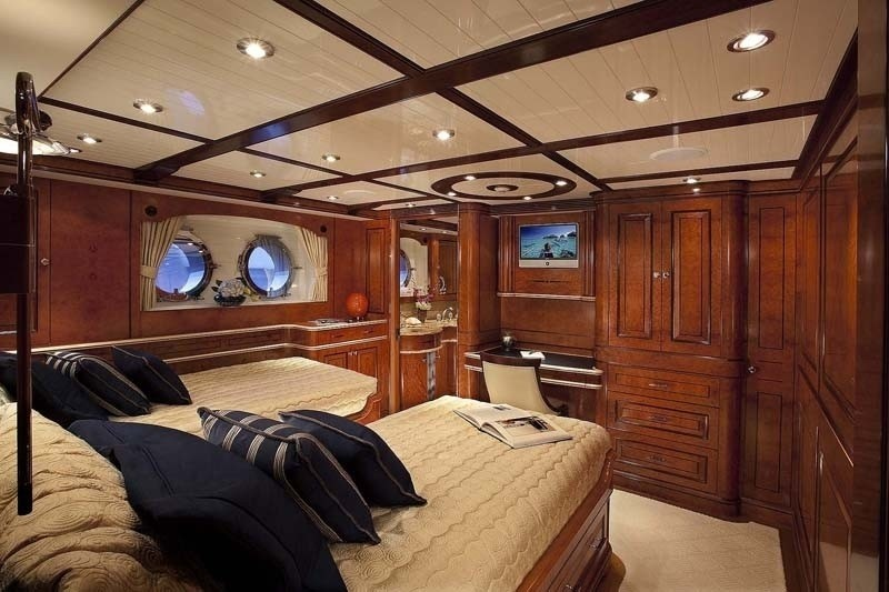 Twin Bed Cabin On Yacht SYCARA IV