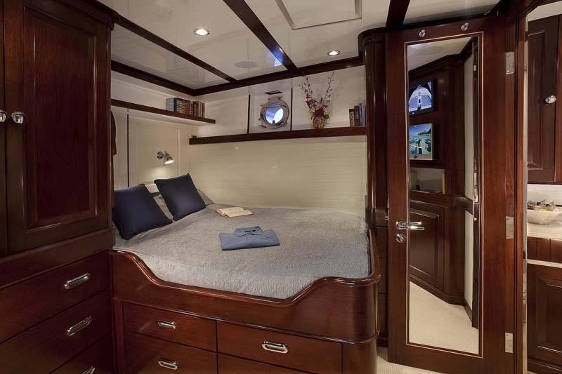 Cabin On Yacht SYCARA IV