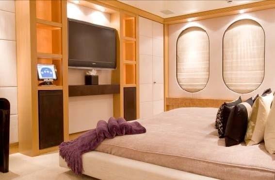 Screening: Yacht MALIBU's Main Master Cabin Image