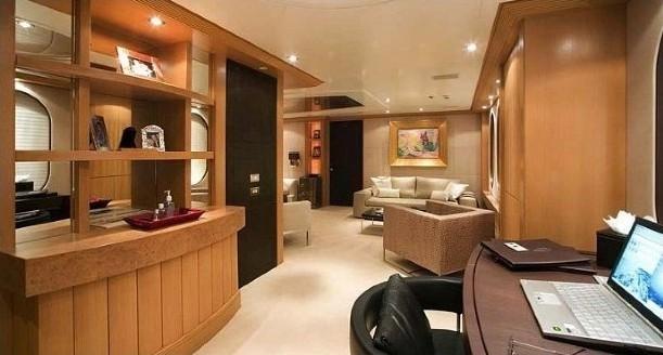 Inside Drinks Bar Aboard Yacht MALIBU