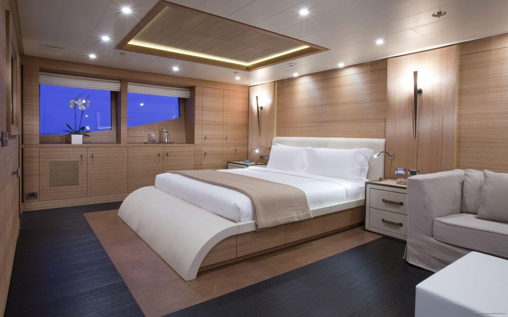 Main Master Cabin Aboard Yacht SPIRIT