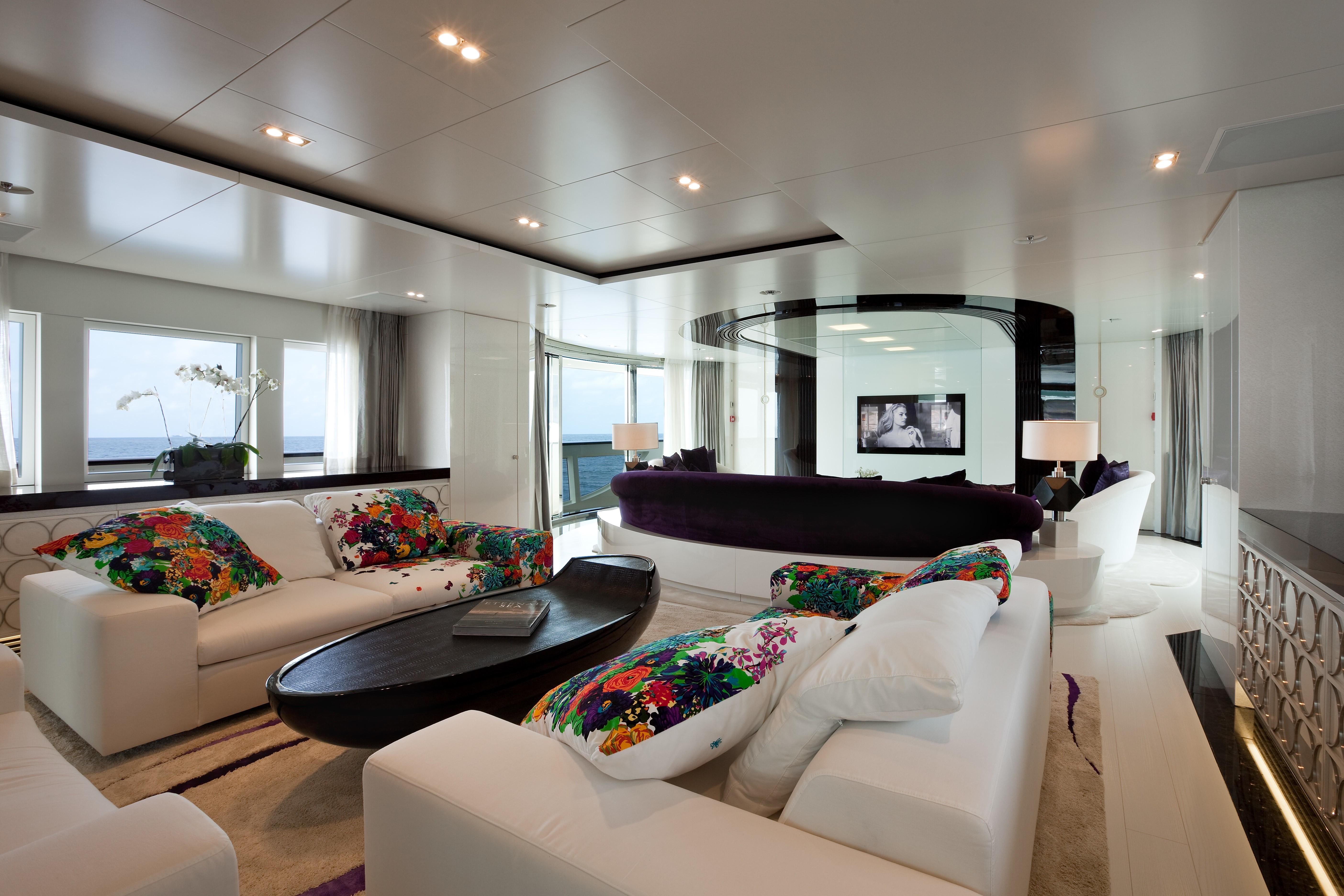 Premier Saloon Aboard Yacht QUITE ESSENTIAL