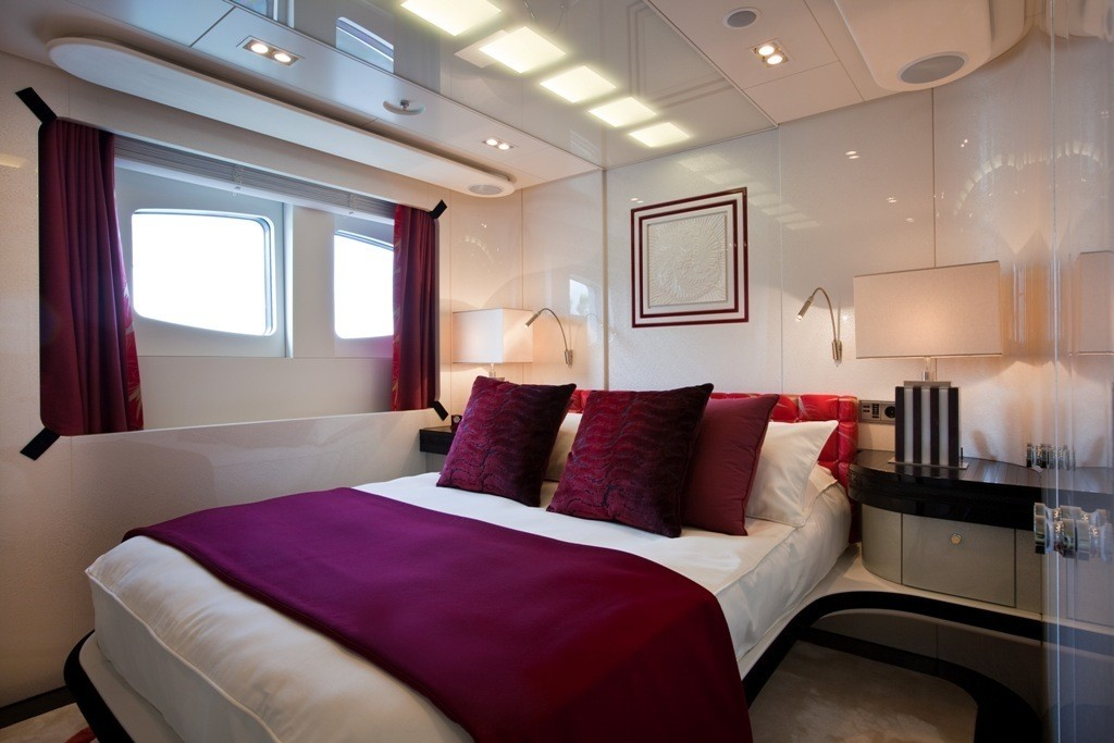 Red Guest's Cabin Aboard Yacht QUITE ESSENTIAL