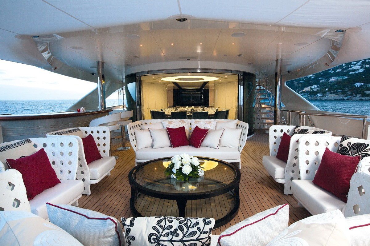 External Sitting Aboard Yacht QUITE ESSENTIAL