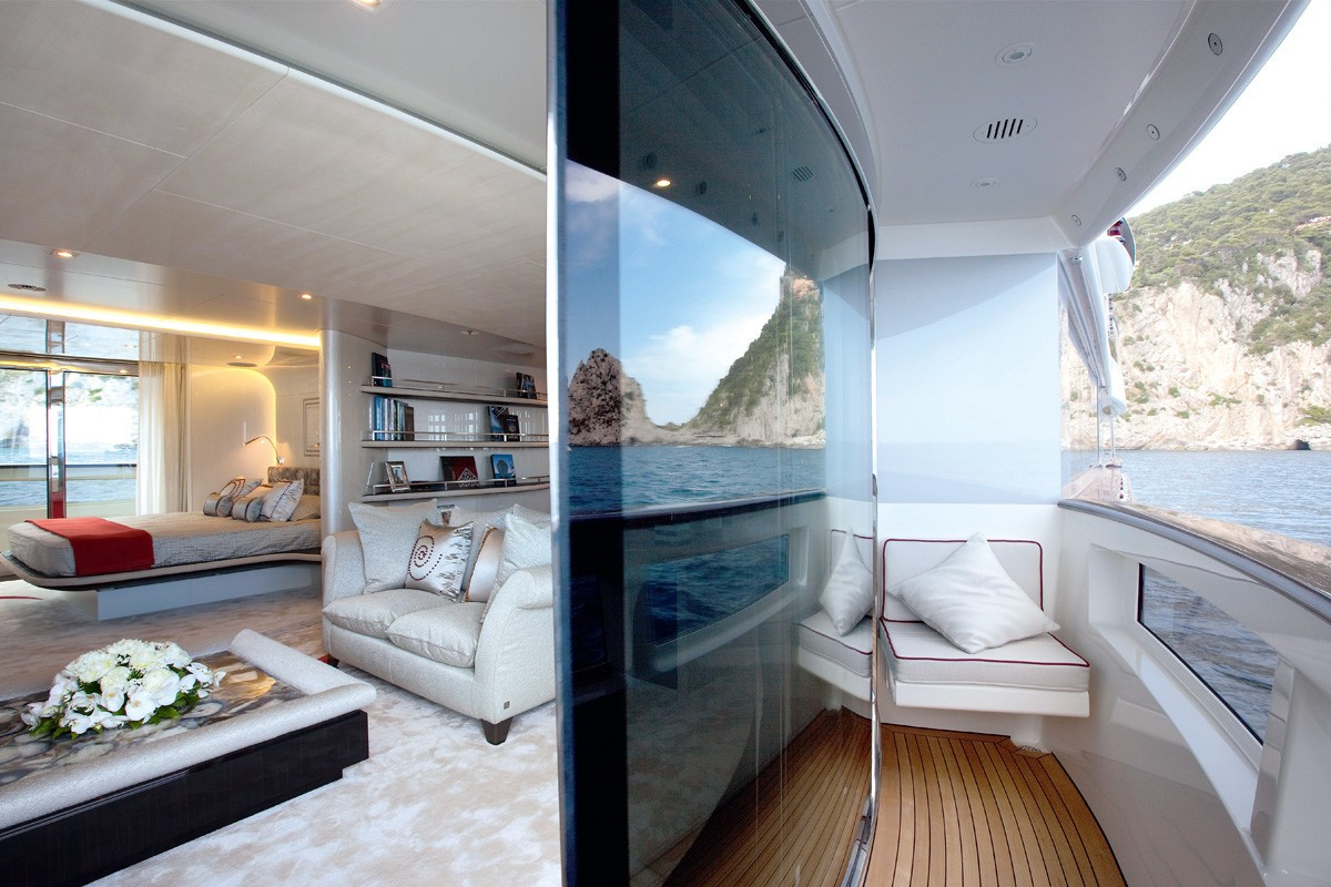 Main Master Cabin With Balcony / Terrace On Yacht QUITE ESSENTIAL