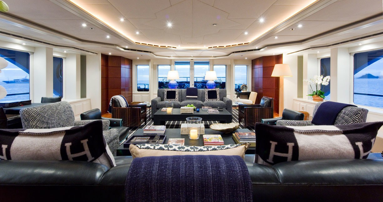 Daytime: Yacht DIAMOND A's Premier Saloon Fore Aspect Image