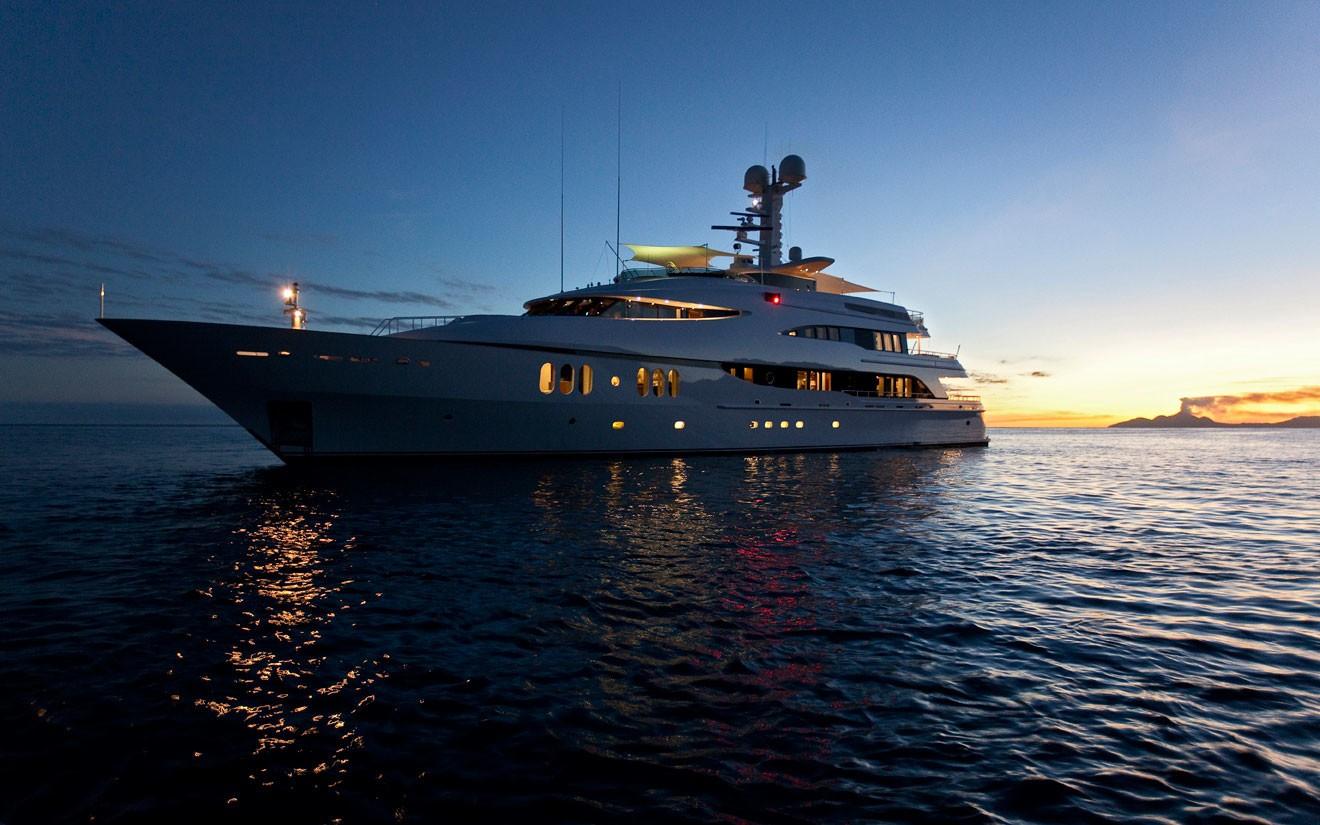 Overview Aboard Yacht DIAMOND A