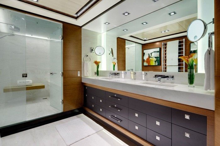 Main Master En Suite On Board Yacht KOKOMO
