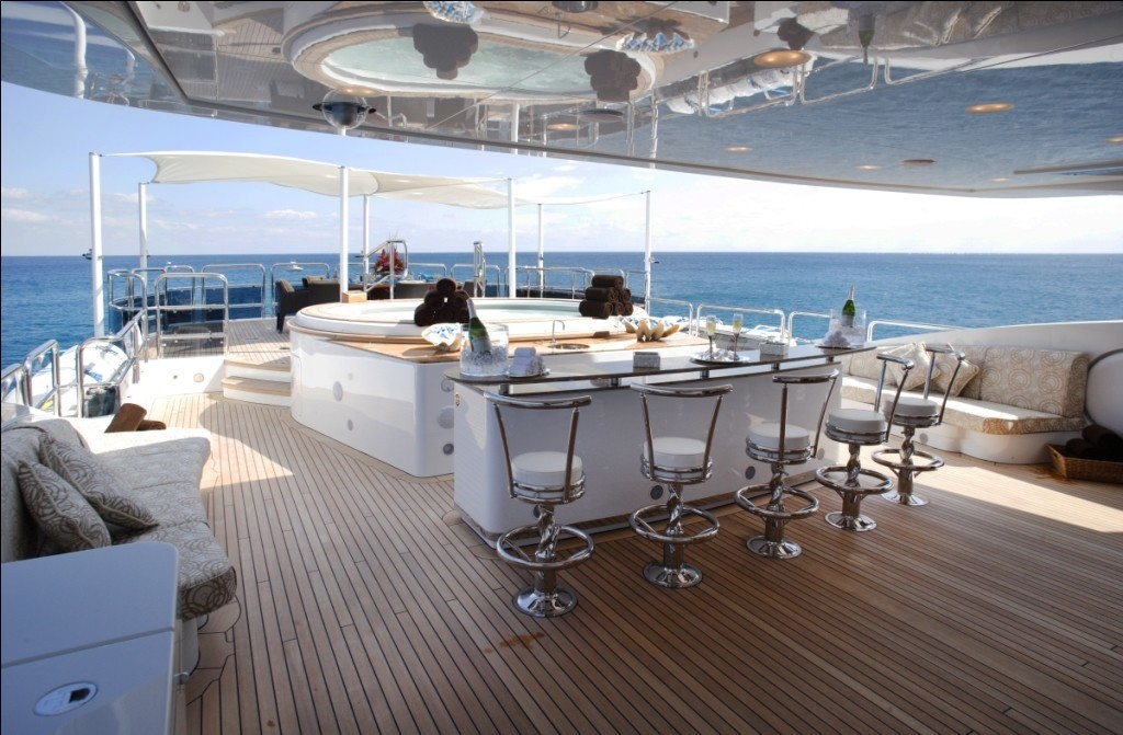Drinks Bar With Jacuzzi Pool Aboard Yacht DIAMONDS ARE FOREVER