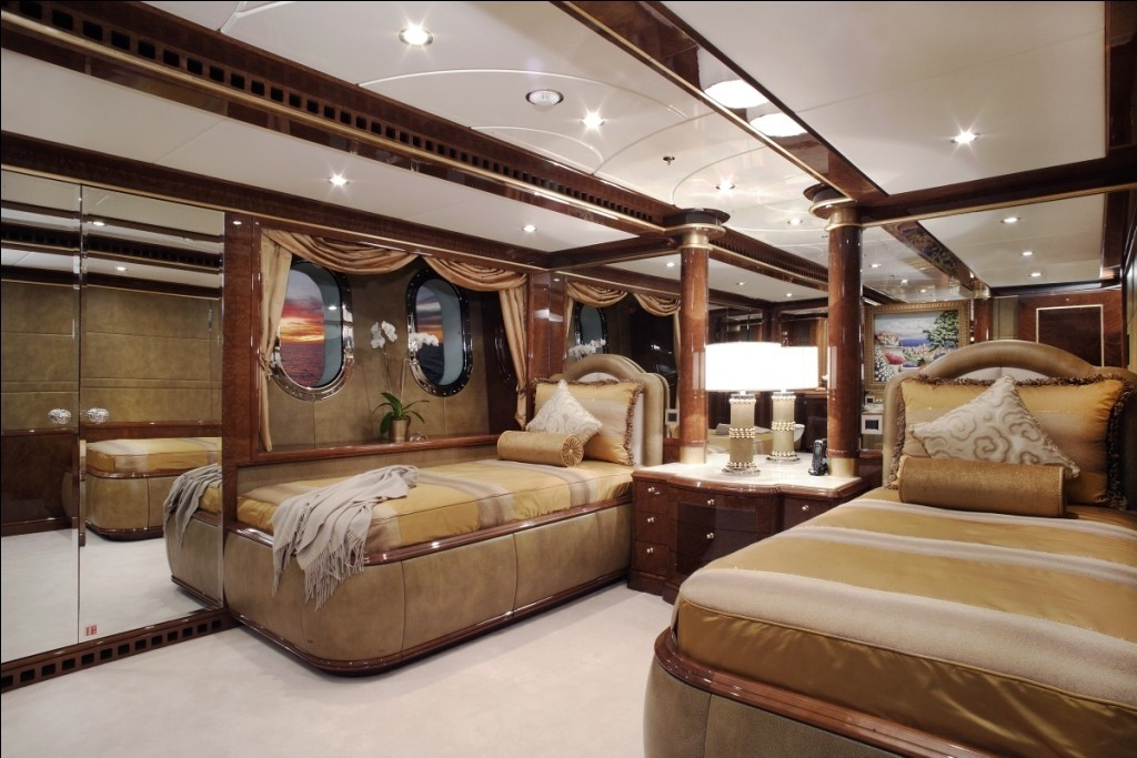 Twin Bed Cabin On Yacht DIAMONDS ARE FOREVER