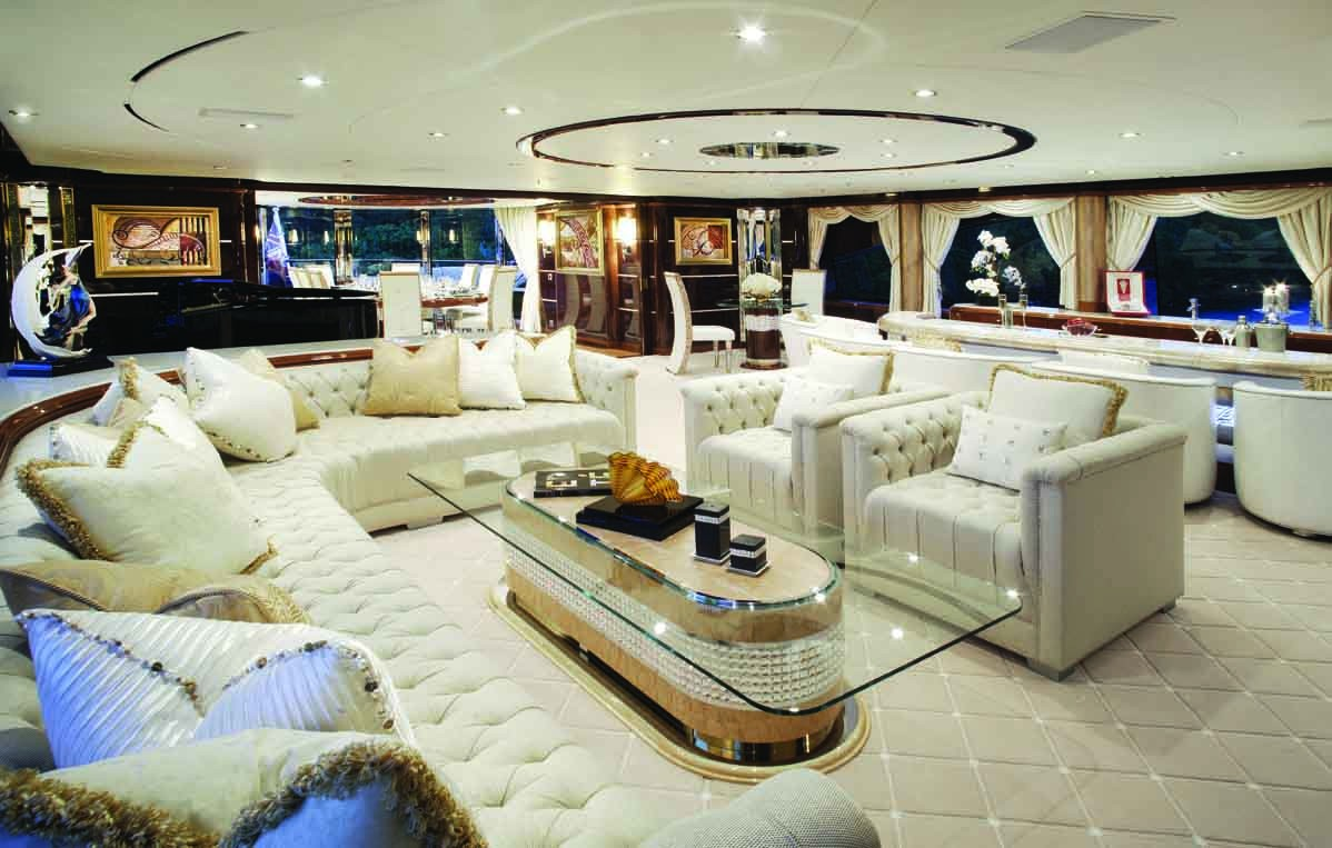 Top Saloon Aspect On Yacht DIAMONDS ARE FOREVER