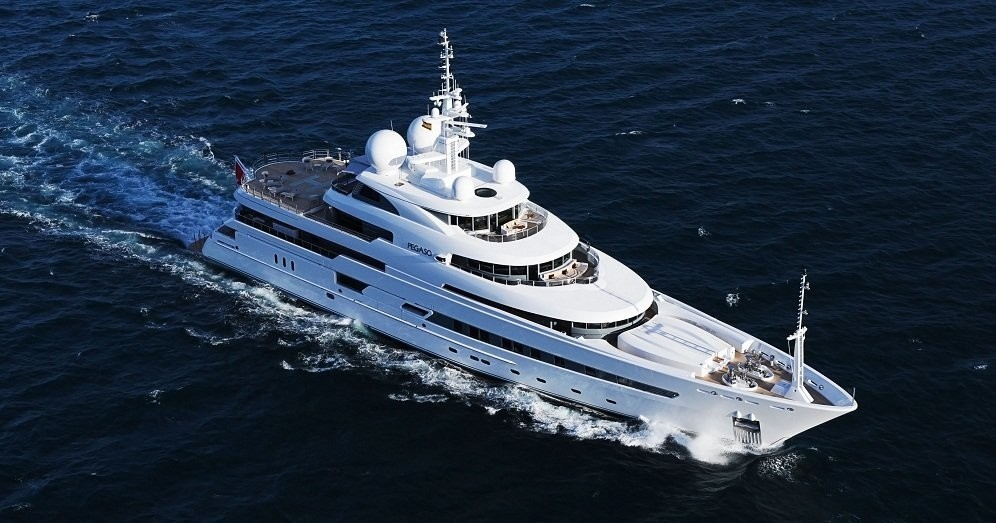 From Above Aspect: Yacht NAIA's Cruising Photograph